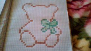 Рисунки по клеточкам - зайчик с сердечком6